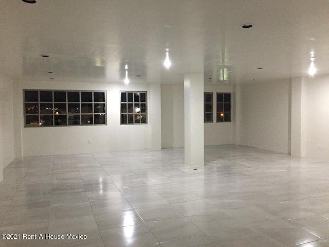 Edificio Hidalgo>Pachuca de Soto>Zona Plateada - Venta:80.000.000 Pesos - codigo: 21-3816