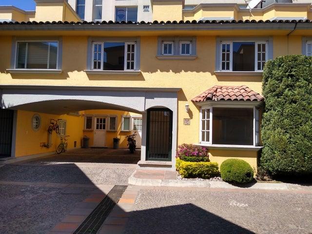 Casa Distrito Federal>Cuajimalpa de Morelos>Cuajimalpa - Venta:5.300.000 Pesos - codigo: 21-170