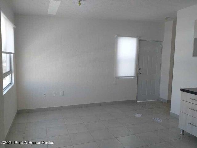 Departamento Queretaro>El Marques>El Rosario - Renta:5.500 Pesos - codigo: 21-3884