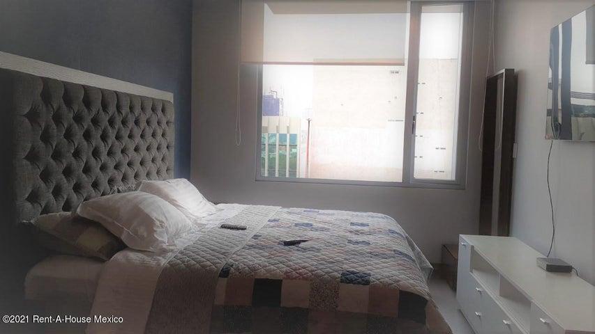 Departamento Distrito Federal>Miguel Hidalgo>Granada - Renta:24.000 Pesos - codigo: 21-3892