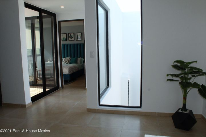 Casa Queretaro>Queretaro>Altos de Juriquilla - Venta:3.463.000 Pesos - codigo: 21-3943