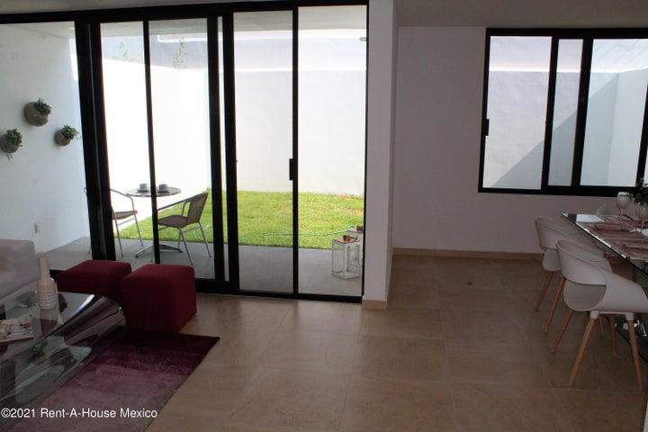 Casa Queretaro>Queretaro>Altos de Juriquilla - Venta:3.712.000 Pesos - codigo: 21-3945
