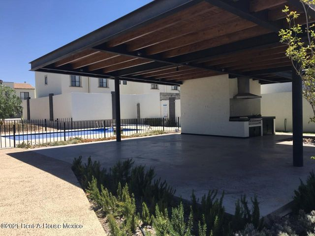 Casa Queretaro>El Marques>Zakia - Renta:13.500 Pesos - codigo: 21-4001