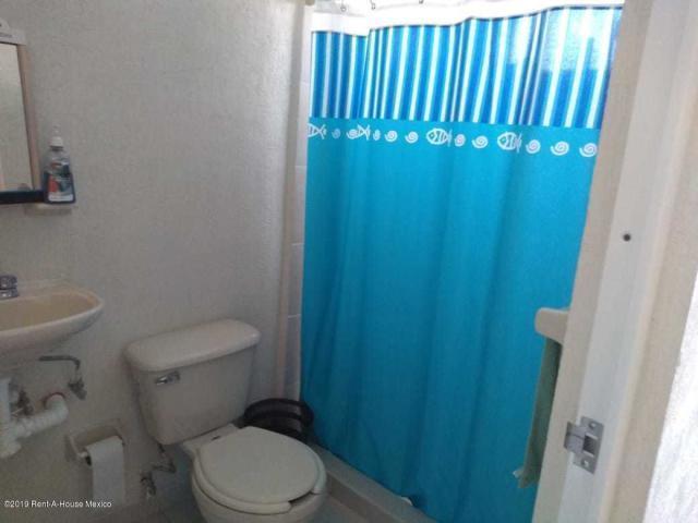 Casa Queretaro>Queretaro>Ciudad Del Sol - Renta:6.300 Pesos - codigo: 21-4036