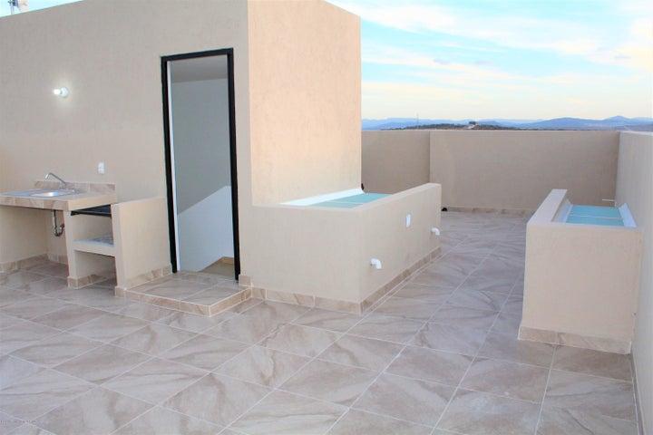 Casa Queretaro>El Marques>Zakia - Renta:14.500 Pesos - codigo: 21-4048