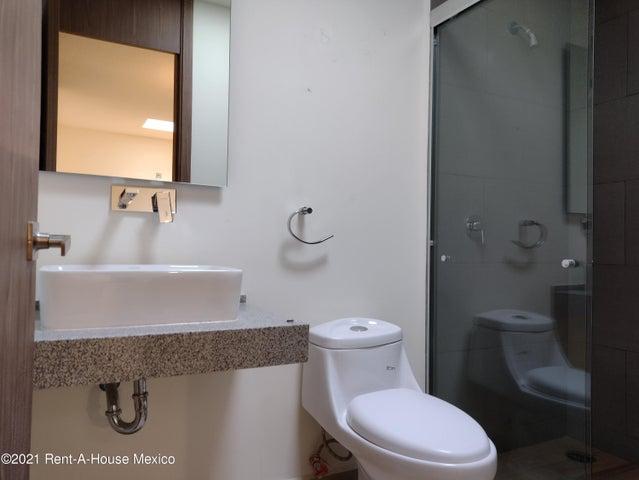 Casa Queretaro>El Marques>Zakia - Renta:12.000 Pesos - codigo: 21-4056