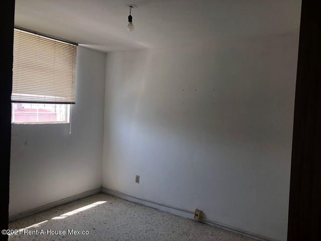 Casa Queretaro>Queretaro>Carretas - Renta:22.000 Pesos - codigo: 21-4324