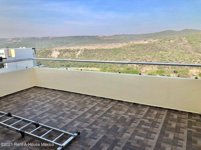 Casa Queretaro>Corregidora>Canadas del Lago - Venta:6.770.000 Pesos - codigo: 21-4393