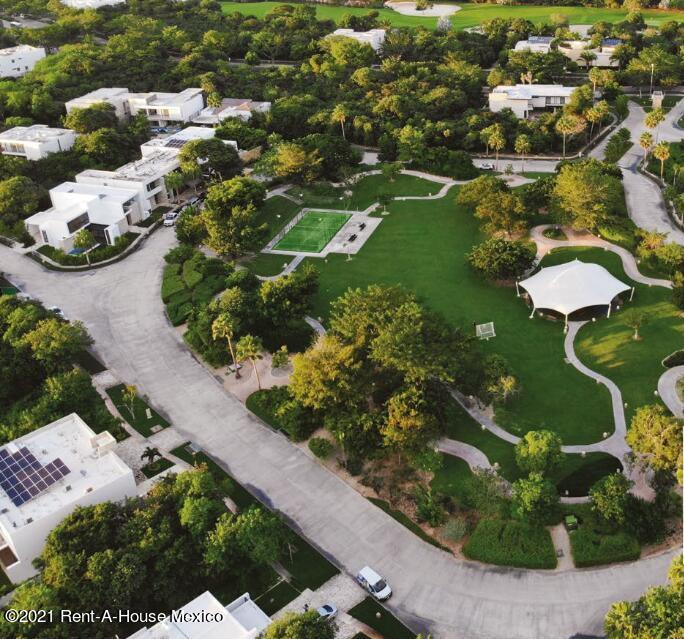 Terreno Yucatan>Merida>Yucatan Country Club - Venta:3.200.000 Pesos - codigo: 21-4557