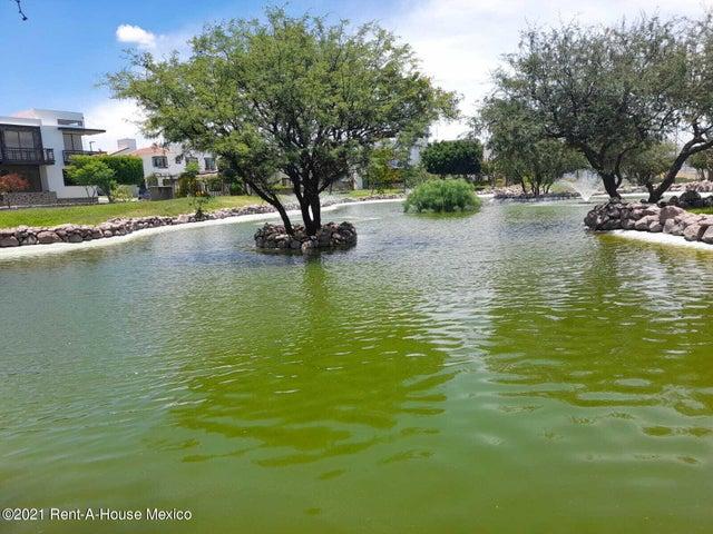Departamento Queretaro>Corregidora>Real del Bosque - Venta:2.760.644 Pesos - codigo: 21-4599
