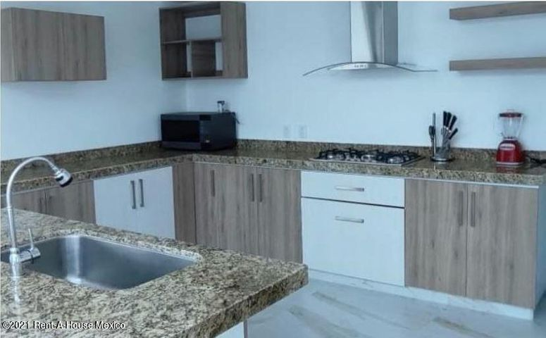 Casa Queretaro>Corregidora>Canadas del Lago - Venta:3.850.000 Pesos - codigo: 21-3446