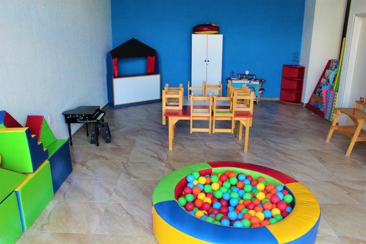 Casa Queretaro>El Marques>Zibata - Renta:14.000 Pesos - codigo: 22-564