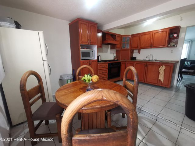 Casa Estado de Mexico>Naucalpan de Juarez>Jardines de Satelite - Venta:6.900.000 Pesos - codigo: 22-645