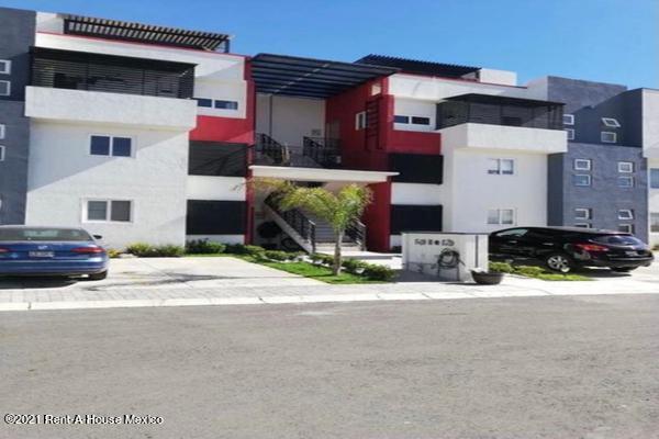 Departamento Queretaro>Queretaro>San Isidro Juriquilla - Renta:11.500 Pesos - codigo: 22-709