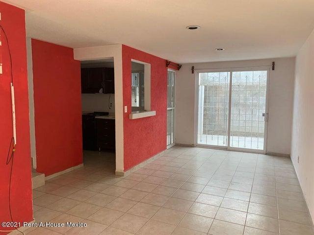 Casa Queretaro>Queretaro>Mompani - Renta:6.200 Pesos - codigo: 22-696