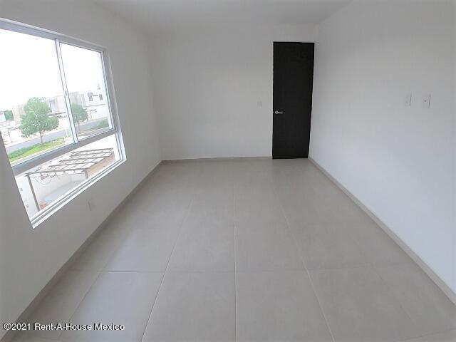 Departamento Queretaro>El Marques>Zakia - Renta:11.000 Pesos - codigo: 22-830