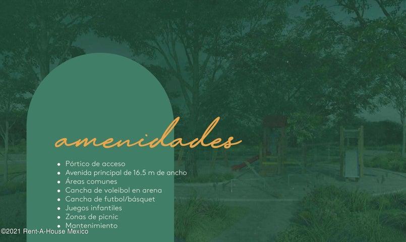 Terreno Yucatan>Izamal>Izamal - Renta:81.900 Pesos - codigo: 22-955