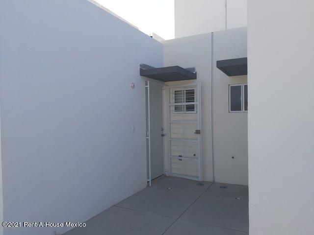 Casa Queretaro>Queretaro>Eduardo Loarca - Venta:795.000 Pesos - codigo: 22-958