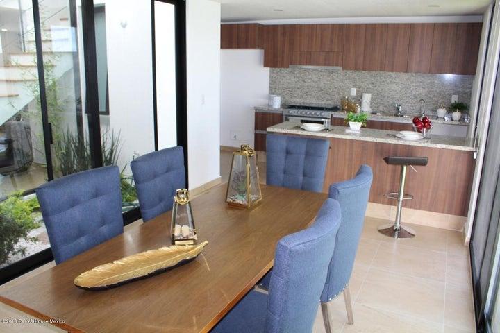 Casa Queretaro>El Marques>Zakia - Venta:3.125.000 Pesos - codigo: 22-980