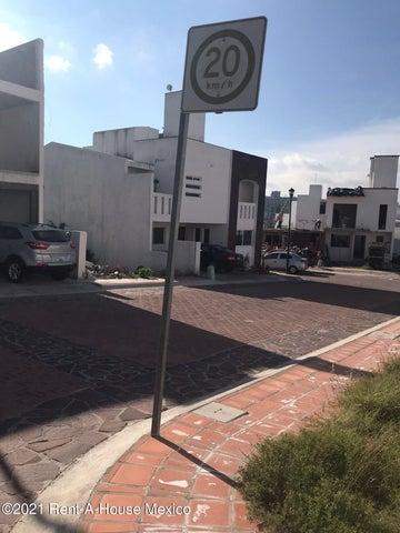 Terreno Queretaro>Corregidora>Pedregal de Schoenstatt - Venta:684.000 Pesos - codigo: 22-1018
