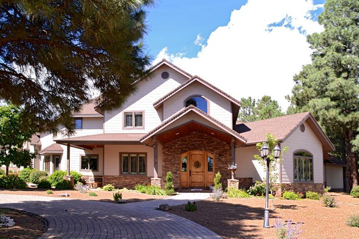 7050 N Oakwood Pines Drive, Flagstaff, AZ 86004