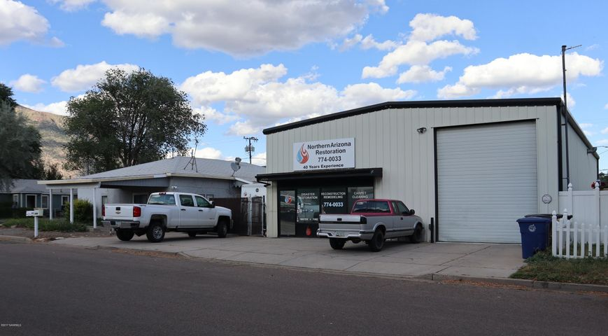 2028 N 3rd Street, Flagstaff, AZ 86004
