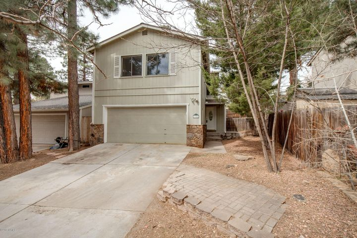 4 Bedroom East Side home is close to MT Elden trail system