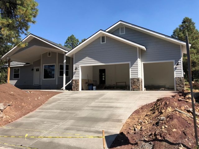 1888 N Fox Hill Road, Flagstaff, AZ 86004