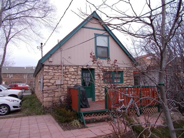 516 S Leroux Street, Flagstaff, AZ 86001