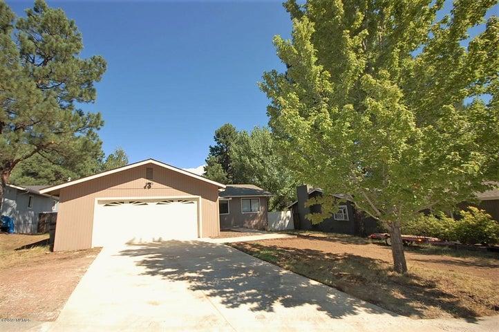 620 E Dohmen Drive, Flagstaff, AZ 86005