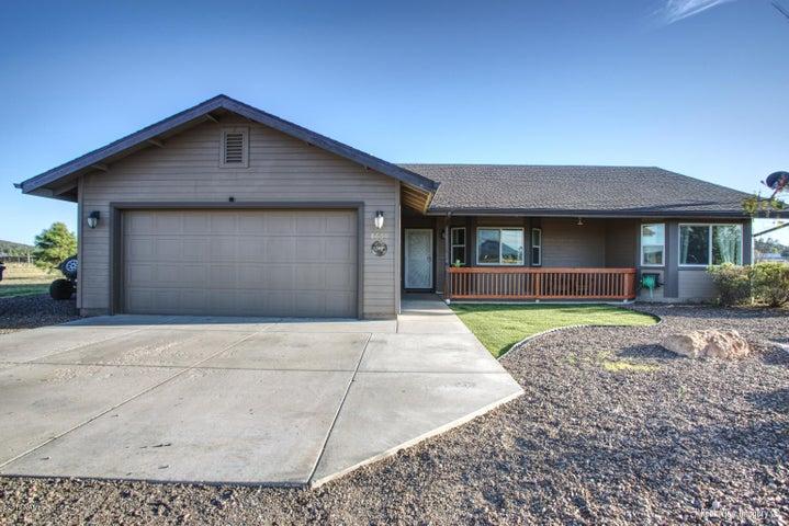 8600 E Neptune Drive, Flagstaff, AZ 86004