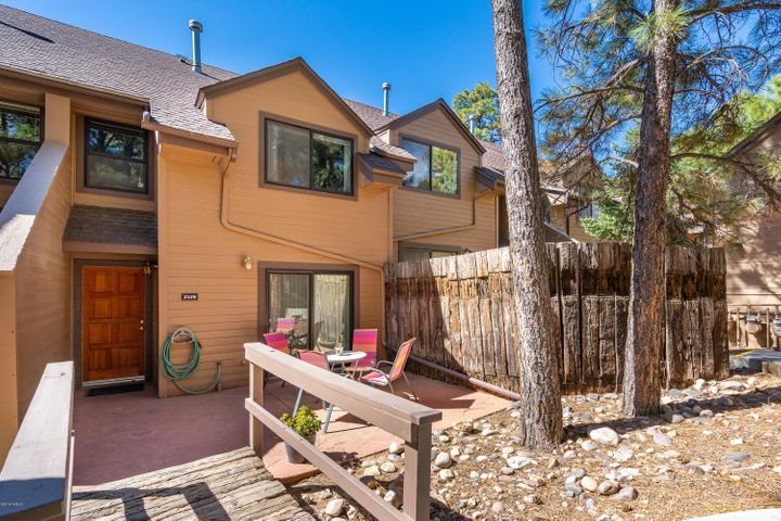 2328 N Whispring Pine Way, Flagstaff, AZ 86004