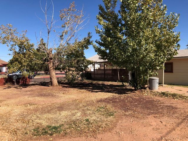 819 N Berry Avenue, Winslow, AZ 86047