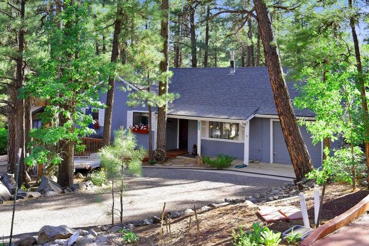 17430 S Shadow Rock Place, Munds Park, AZ 86017