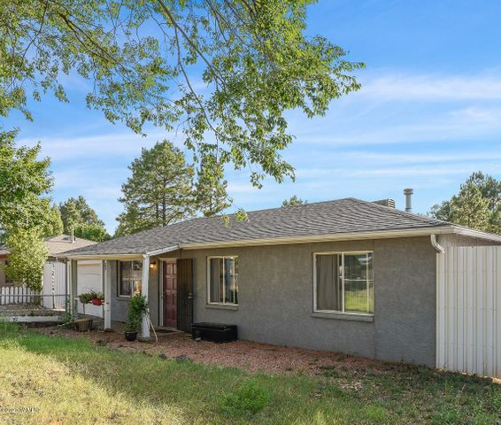 29 S Pinegrove Road, Flagstaff, AZ 86001