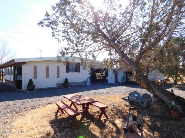 1448 W Canyon Road, Ash Fork, AZ 86320
