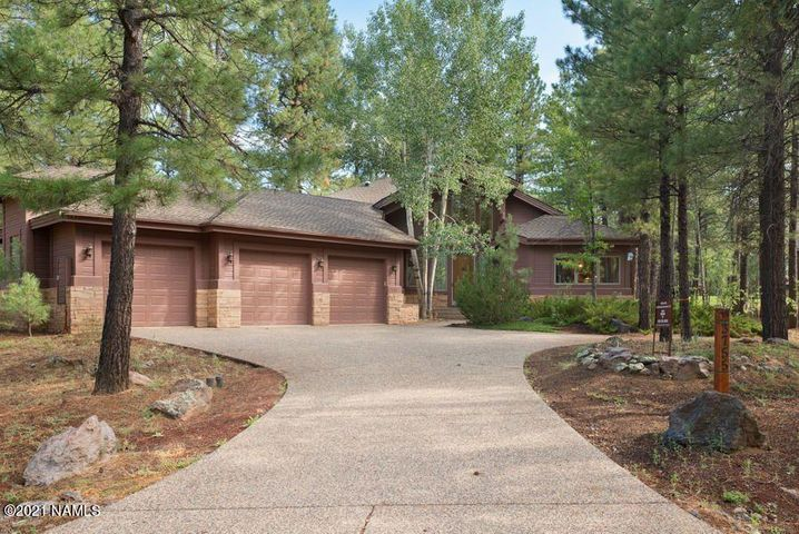 3755 Bear Howard, Flagstaff, AZ 86005