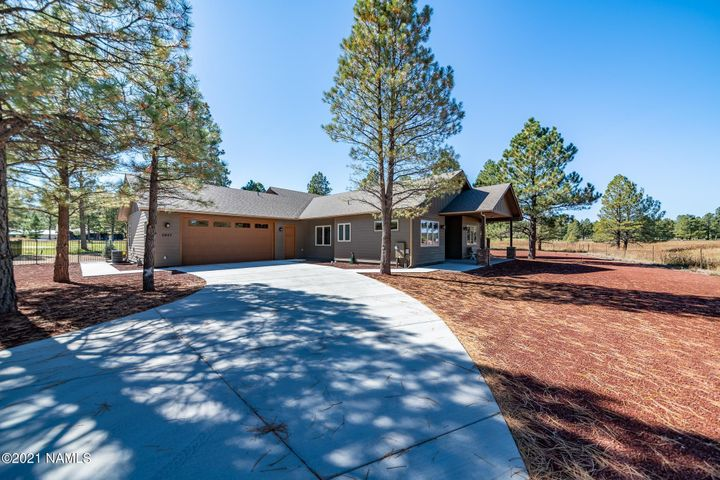 2927 W Brookhollow Drive, Williams, AZ 86046