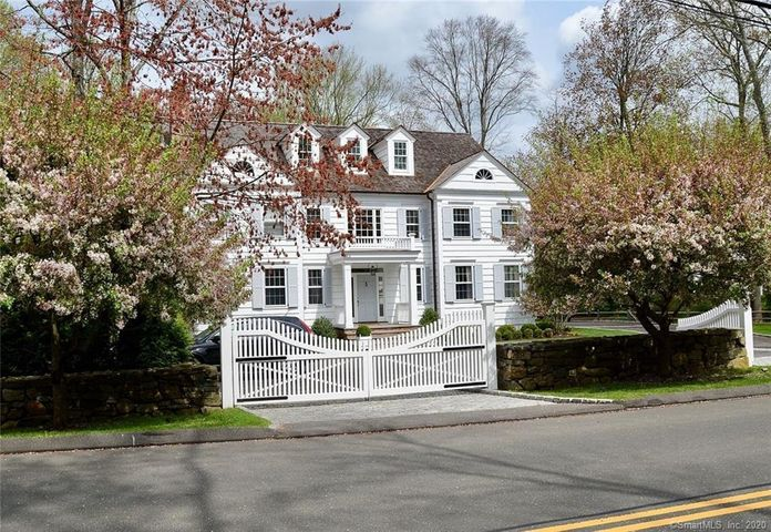 30 Mariomi Road, New Canaan, CT 06840