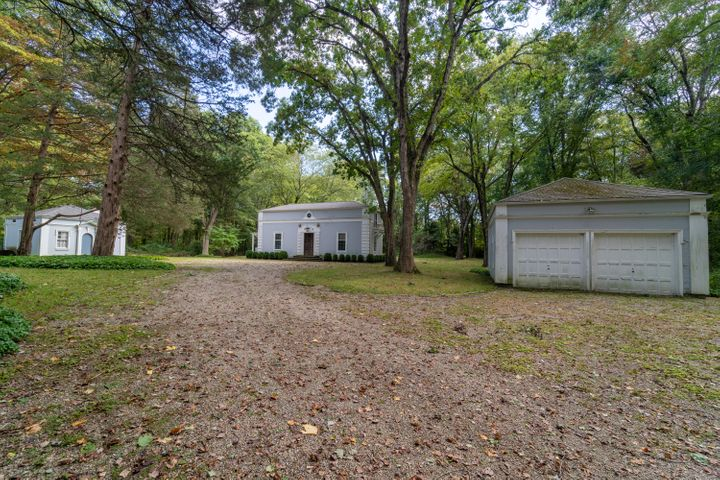 5 Father Peters Lane, New Canaan, CT 06840