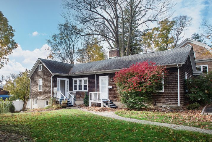 40 Seminary Street, SIDE APT, New Canaan, CT 06840