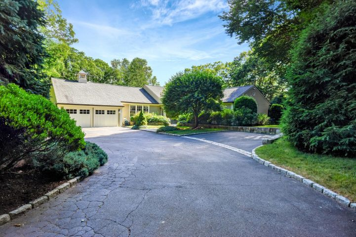 186 Indian Rock Road, New Canaan, CT 06840