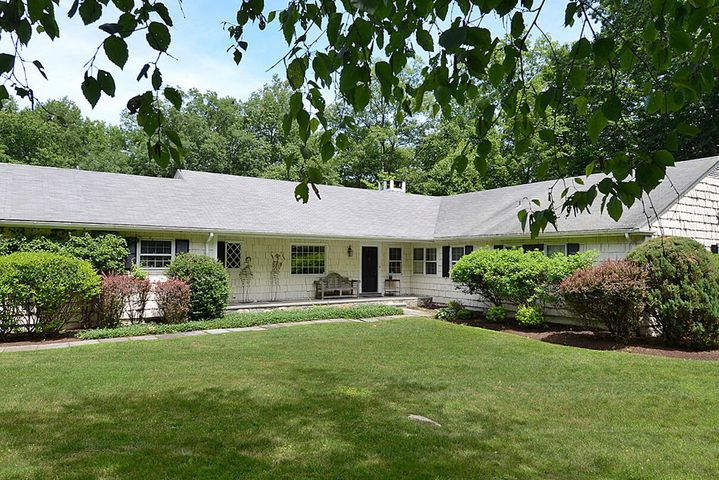 170 Bridle Path Lane, New Canaan, CT 06840