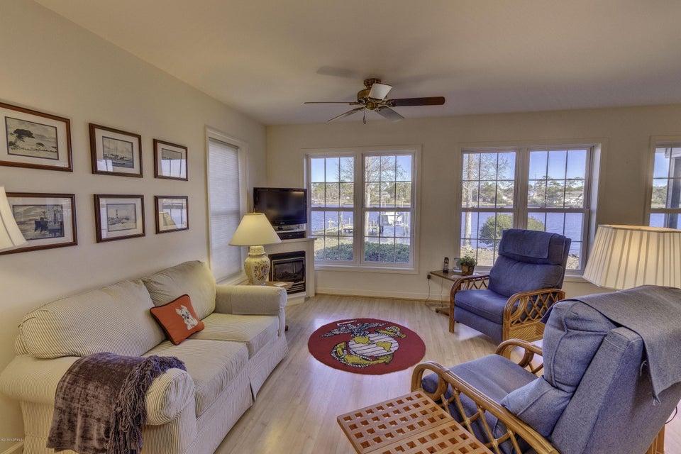Residential for sale in newport north carolina 100041171 for Linda platform customizable bedroom set