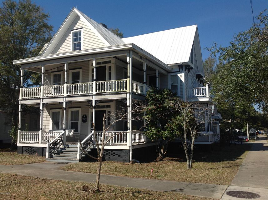 102 W Nash Street #residence Southport, NC 28461