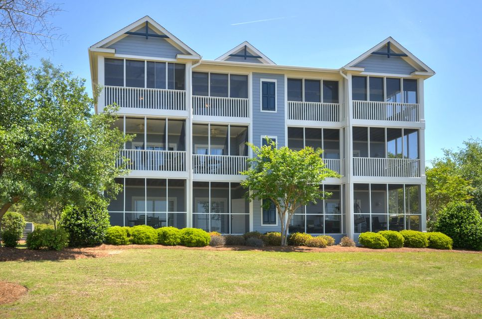 2555  St James Drive #105 Southport, NC 28461