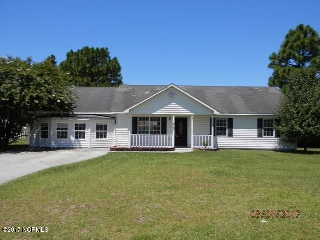 301 Foxtrace Lane, Hubert, NC 28539
