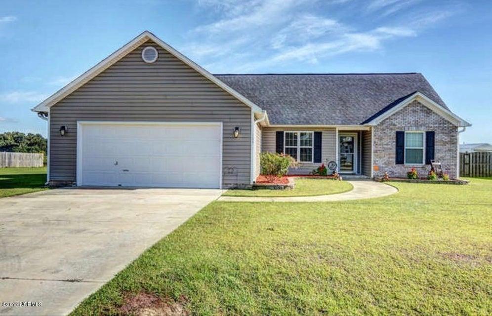 104 Farmington Drive, Richlands, NC 28574