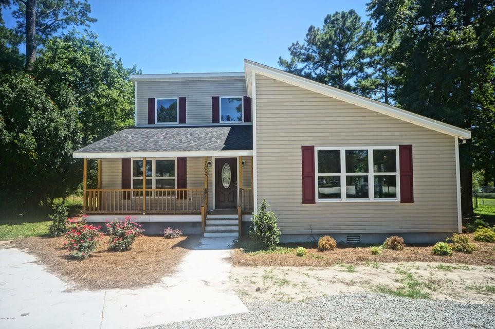 703 Madam Moores Lane, New Bern, NC 28562