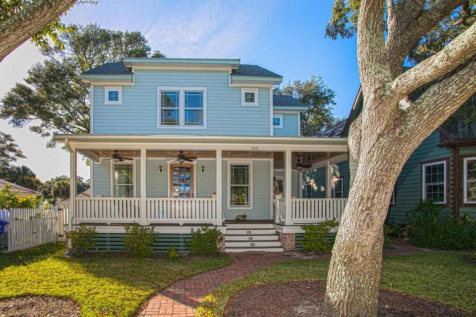 105 N Lord Street Southport, NC 28461